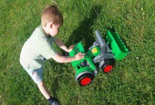 Gigant Traktor Spychacz firmy wader